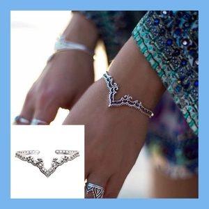 Jewelry - ❗️NEW❗️Vintage Bohemian Cuff Bracelet